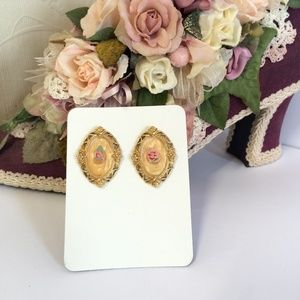 Beautiful Vintage Rose Earrings